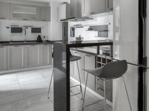 现代轻奢风格家庭吧台装修效果图