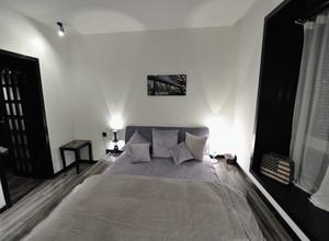 现代床头背景墙装修效果图