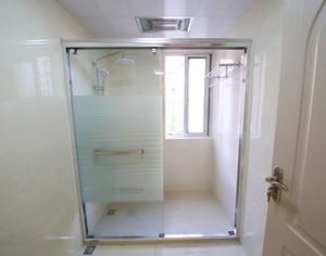 卫生间玻璃移门装修效果图