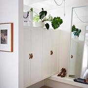 现代风格二居室鞋柜装修图片
