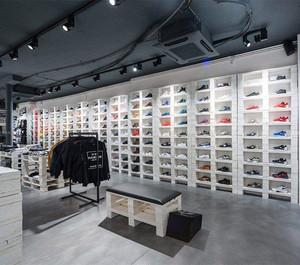 简约鞋店装修效果图赏析