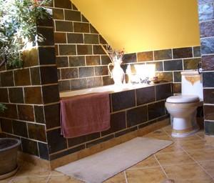 美式风格卫生间瓷砖装修效果图