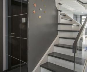 简约复式楼梯间装修效果图欣赏