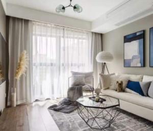 90平现代简约客厅窗帘装修设计效果图