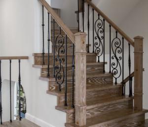 美式别墅楼梯装修设计图欣赏