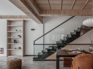 混搭风格别墅楼梯装修设计图