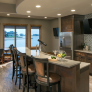 美式风格家庭餐厅吧台装修效果图