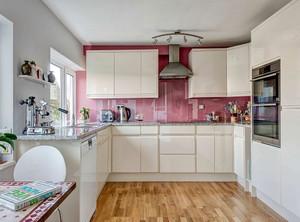 现代厨房橱柜设计效果图