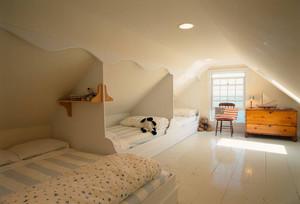 现代节约儿童房阁楼装修设计效果图