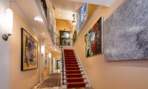 高档别墅特色楼梯装修效果图