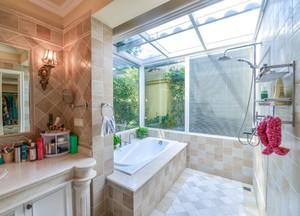 别墅卫生间浴缸装修效果图