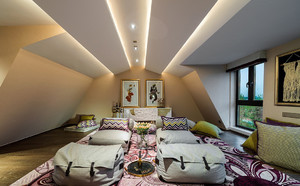 异域风情阁楼卧室装修效果图