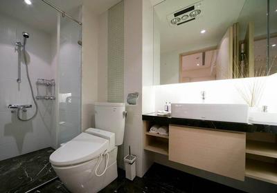 4平方米长方形卫生间装修效果图