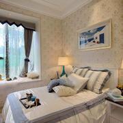 卧室美式飘窗小户型装修
