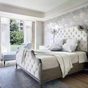 卧室美式背景墙小户型装修