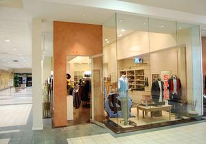 欧式服装店墙体装修效果图,服装店欧式风格装修效果图