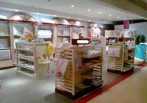 孕婴店的装修效果图,婴孕店橱窗装修效果图