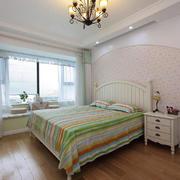 卧室现代榻榻米两居室装修