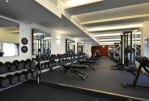 800平米现代风格健身房吊顶装修效果图