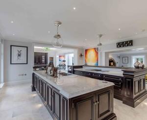 别墅美式风格厨房岛台效果图