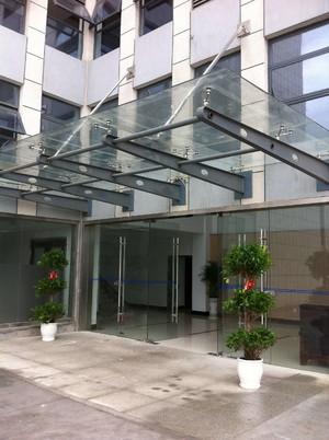 2300平写字楼玻璃雨棚装修效果图