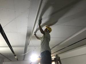 500平商场弧形吊顶装修效果图