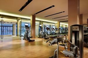 300平现代时尚风格室内健身房装修效果图