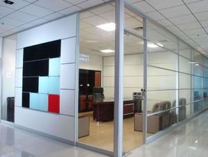 公司走廊玻璃办公屏风隔断装修效果图
