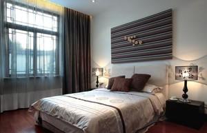 老人房中式床头背景墙装修效果图