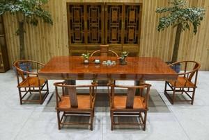 超大红木餐桌家具店装修效果图