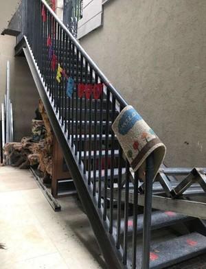 工厂楼房钢架楼梯装修效果图