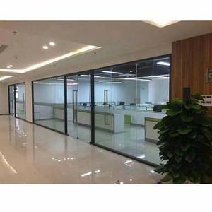 400平米办公室现代风格透明隔断装修效果图