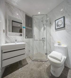 130平米三居室简约风格房屋卫生间装修效果图