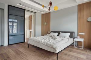 88方小三房大卧室阳台隔断装修效果图