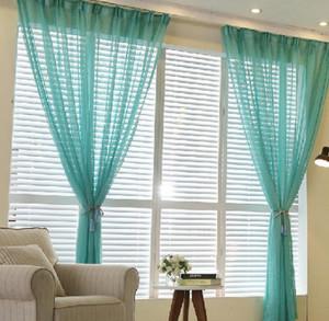 20平米单身公寓封闭式阳台窗帘装修效果图
