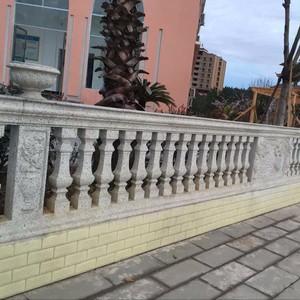 现代简欧风格罗马柱围墙栏杆装修效果图