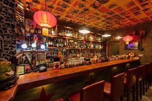 100平米小酒吧现代设计风格效果图