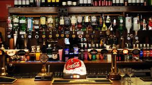 100平小型酒吧个性墙壁装修效果图