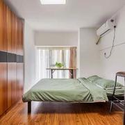 卧室中式衣柜跃层装修