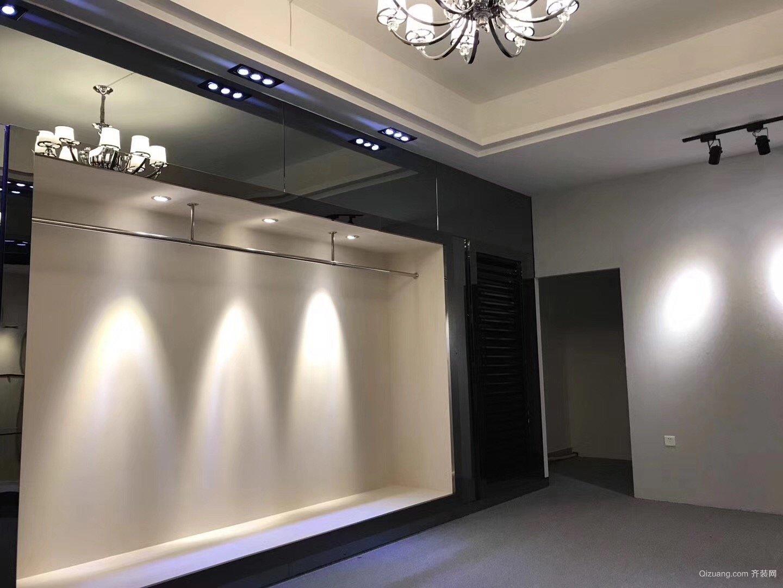 伦教服装店现代简约装修效果图实景图