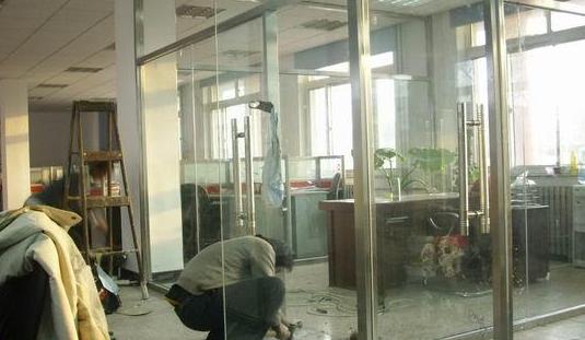 玻璃门安装的方法与步骤