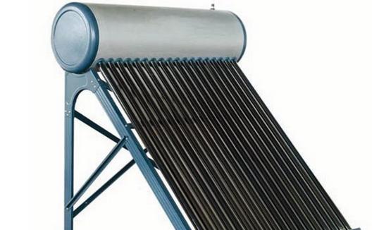太阳能热水器工作中有一个重要的原理就是一定要循环,这样水才可以被充分的加热。当然了,这个原理还是很好理解的,我们都应该知道,热水的密度会比冷水的密度药效一些,那么水箱中的水温上升的时候,密度下降,那些热水就会自动的上升,而随之冷水就会下降,以此可以保证水箱中的所有的水都可以被加热到,还可以很好的隔绝了热水与冷水。