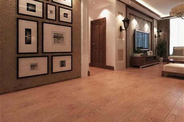 地暖铺设地板:强化木地板   强化木地板的导热性能比较好,另外也是一款稳定、耐磨、受热也不易变形的地板。不过,强化木地板的粘结剂其中的化学物质在高温环境下是会释放的出来的,其包含的甲醛对人的身体是非常有害的。   家装地暖铺设的三种材质:瓷砖、复合木地板、和强化木地板,都是有着各自的优缺点,小编在此就介绍这么多了,希望小编的介绍能够对您有所帮助。