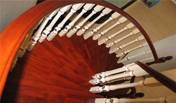 实木楼梯怎么保养