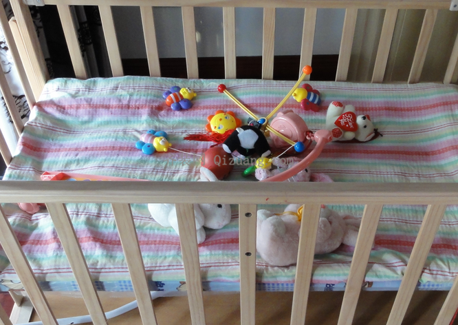 婴儿床尺寸