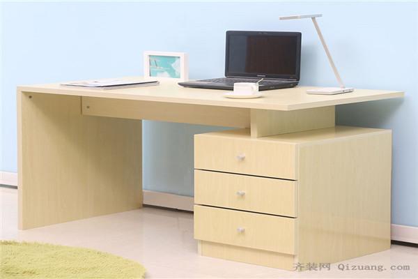 如何选购一款适合自己的电脑桌!