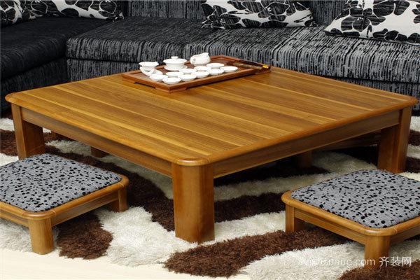 如何在中式餐厅中选择实木桌子