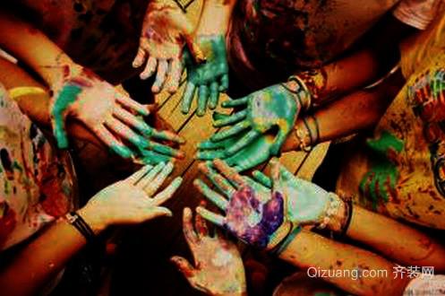 手上沾到油漆
