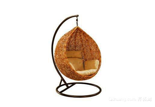 吊篮藤椅:充满罗曼蒂克主义气息