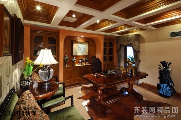 普通户型5室3厅3卫 房屋面积:260平米 装修类型:家装 设计风格:美式